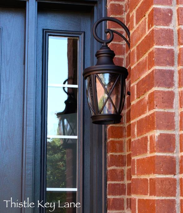 Lantern style light fixture